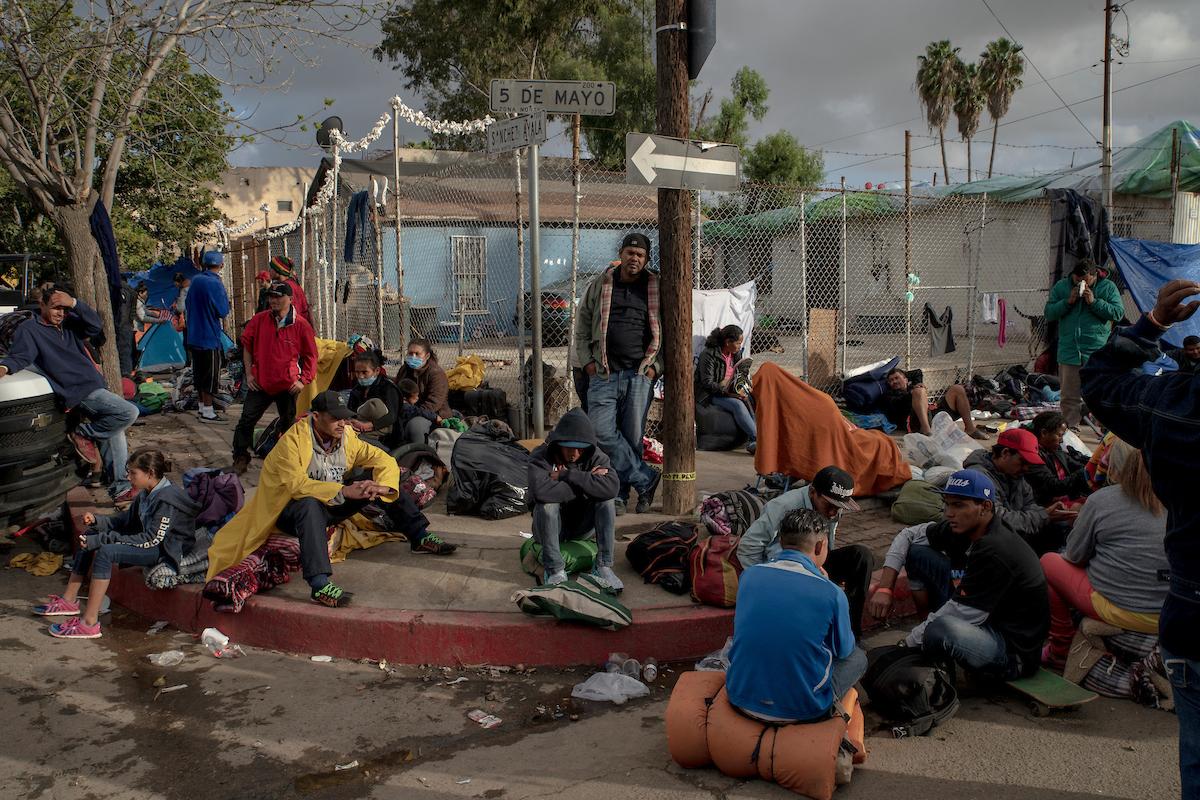 "<a href=""https://www.mapsimages.com/works/caravana-migrante-tijuana/"">Caravana Migrante, Tijuana</a>"